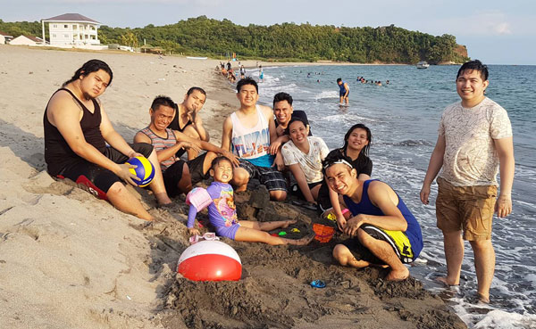 simplus-philippines-day-at-the-beach